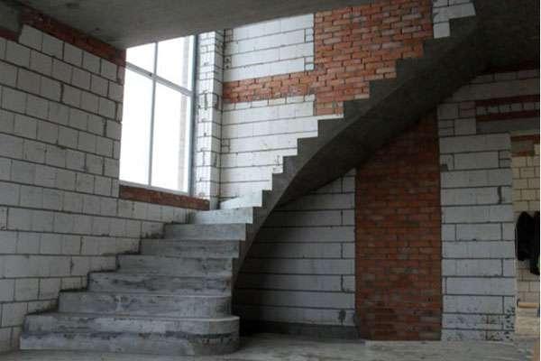 монолитные бетонные лестницы в дом Владимир