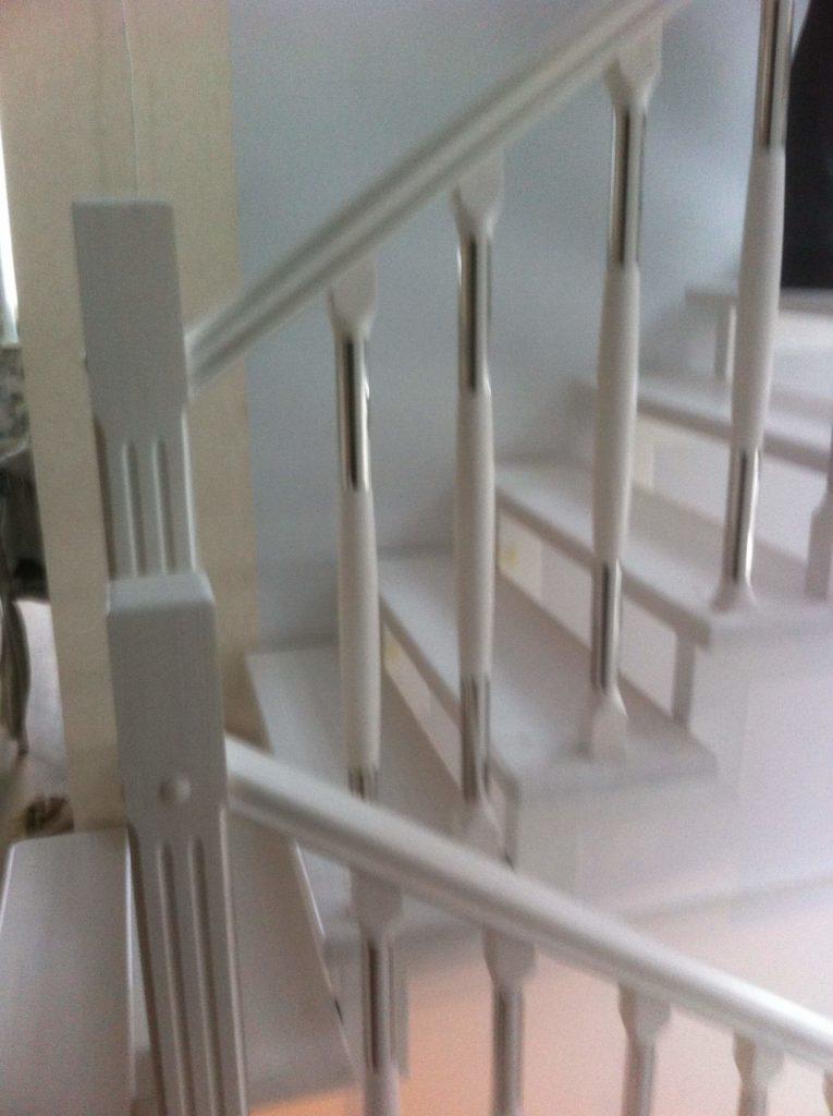 ограждения для лестниц в дом комбинированные