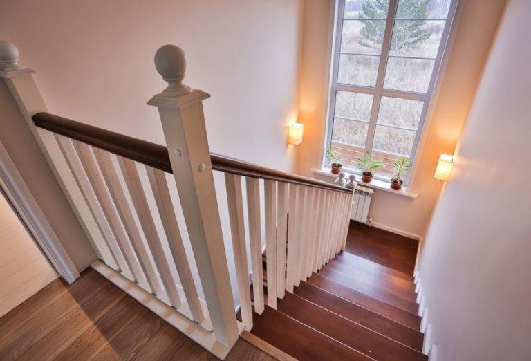 ограждения из дерева для лестницы в дом