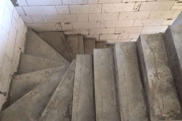 монолитные бетонные лестницы в дом