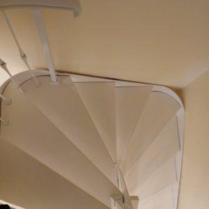 Эксклюзивная белая лестница