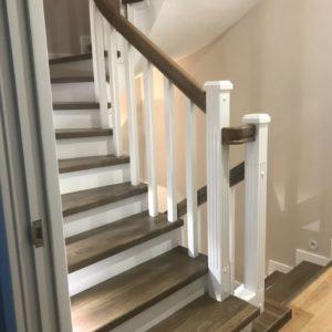 Отделка бетонной лестницы 4 марша деревом из ясеня