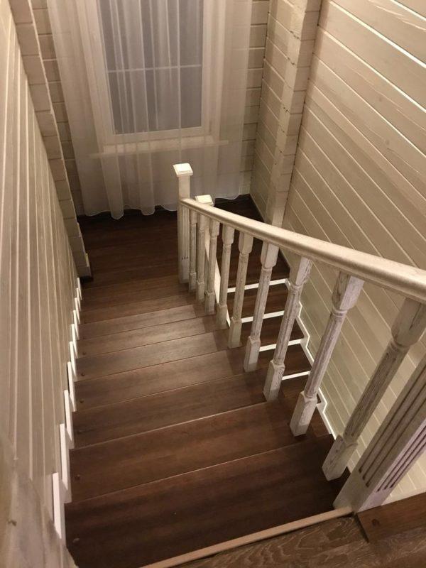 Лестница из дерева на фото с ценой