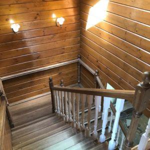 Цена деревянной лестницы в частном доме фото на сайте