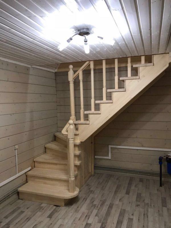 деревянная лестница в подвал