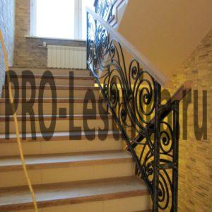 Красивые кованые перила для лестницы на 2 этаж