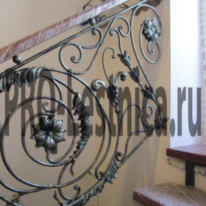 Кованые перила для лестницы внутри дома