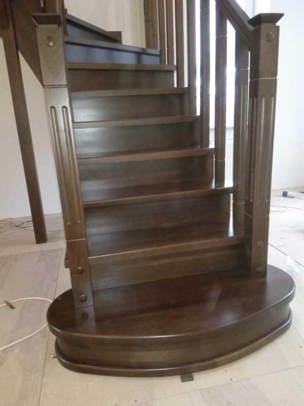 П образная лестница с забежными ступенями