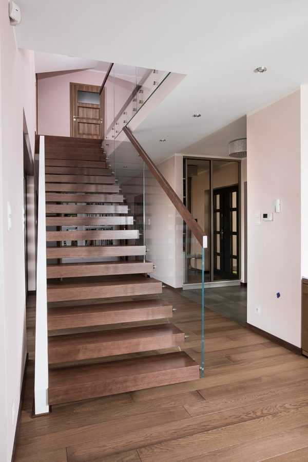 Консольная лестница под ключ