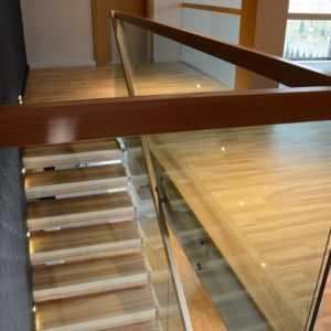 Парящие ступени лестницы