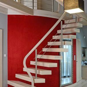 Консольная лестница из белого ясеня