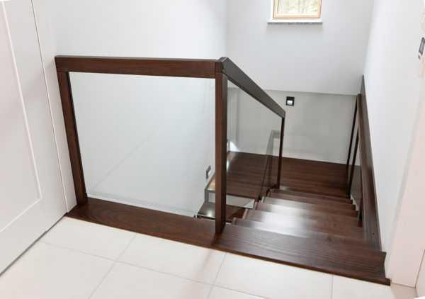 Лестница из листа металла