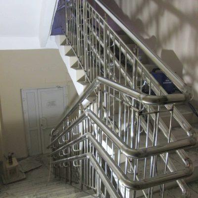 Ограждения лестниц из нержавеющей стали Москва