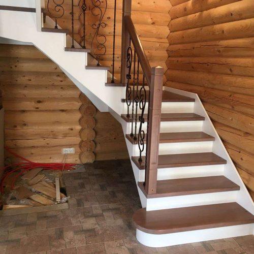 Лестница 90 градусов в деревянный дом