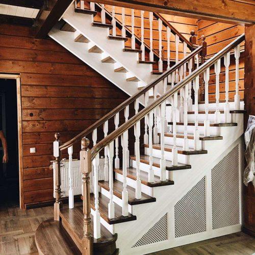 Белая эксклюзивная лестница